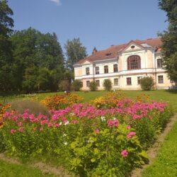 12 July: Kärstna manor park concert and excursions, Viljandi county